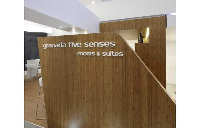 Granada Five Senses Rooms & Suites - Bar - 98