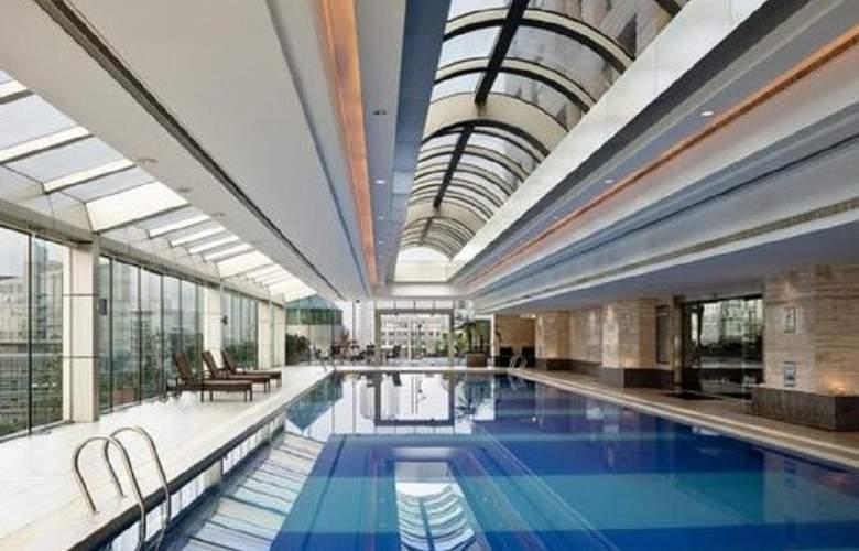 Crowne Plaza Century Park - Pool - 7