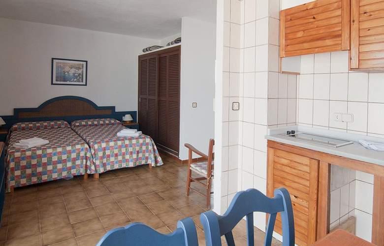 Apartamentos Pou Des Pujols - Room - 4
