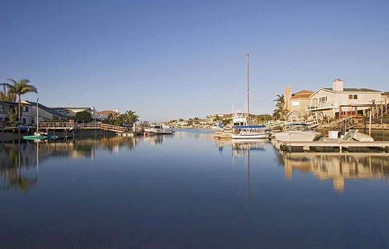 Best Western Harbour Inn & Suites - Hotel - 11