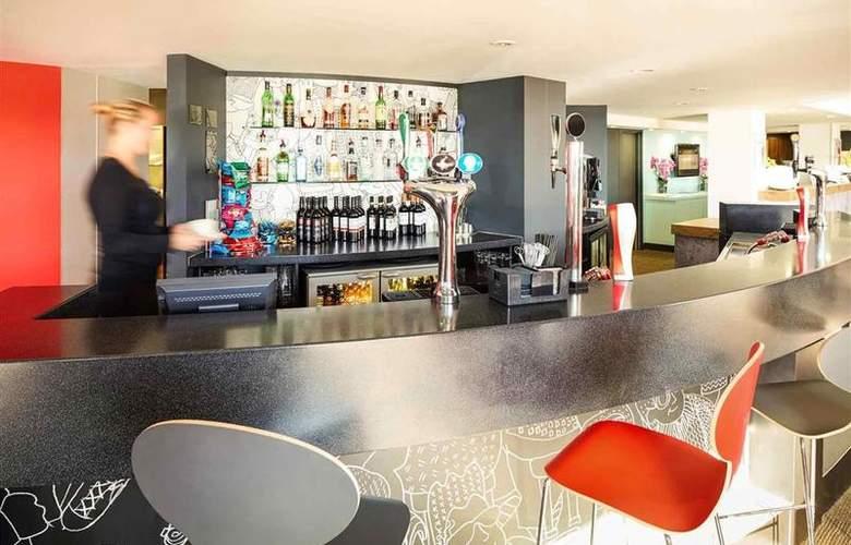 Ibis Luton Airport - Bar - 16