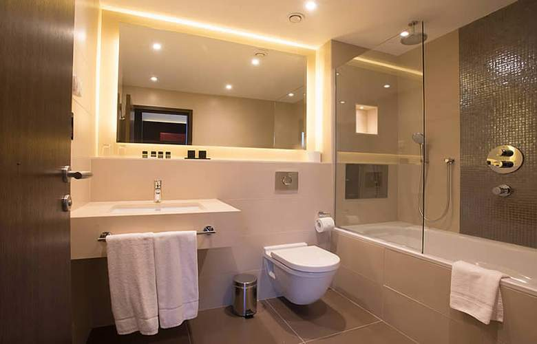 St George's Hotel Wembley - Room - 6