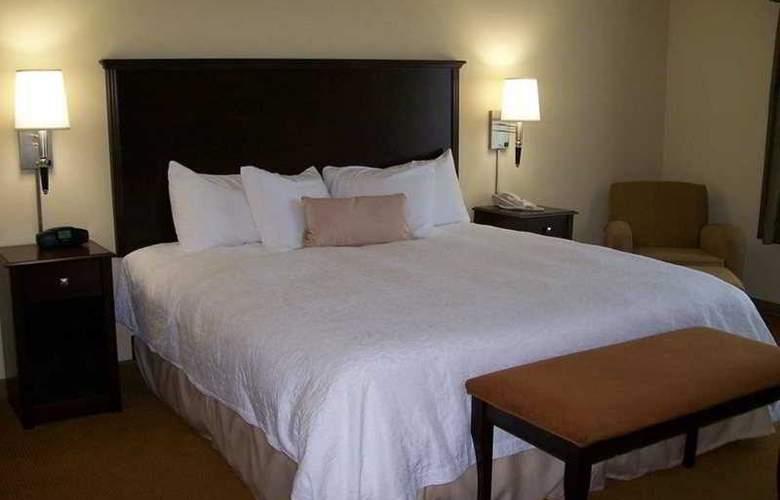 Hampton Inn & Suites Rogers - Room - 6