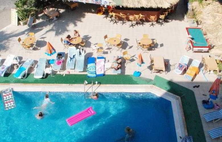 Club Dorado Hotel - Pool - 6