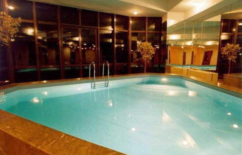 Ararat Hotel - Pool - 7