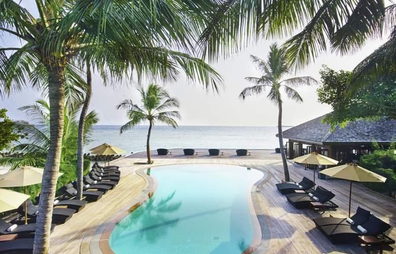 Kuredu Island Resort - Pool - 2