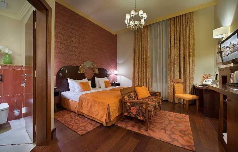 Grand Hotel Zvon - Room - 8