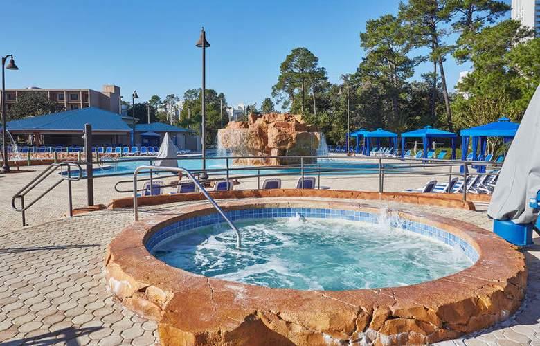 Wyndham Garden Lake Buena Vista Disney Springs Resort Area - Pool - 11