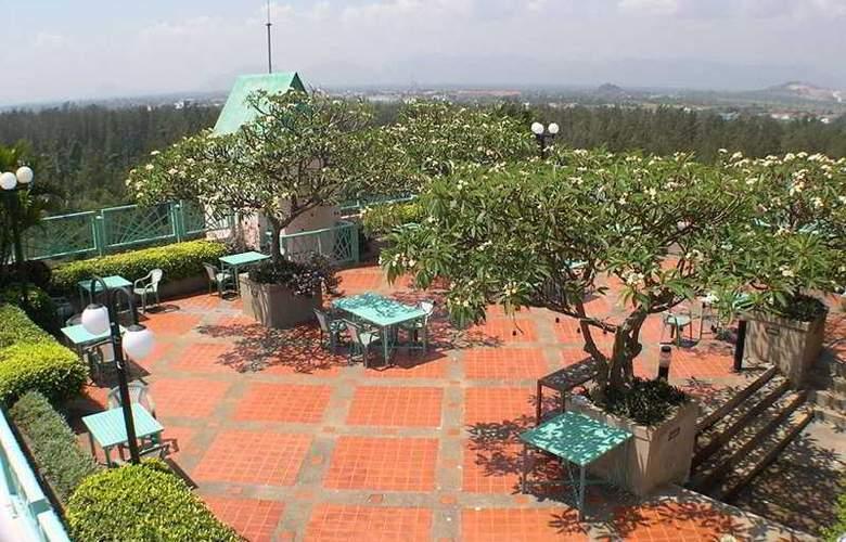 Long Beach Cha Am Hotel - Terrace - 7