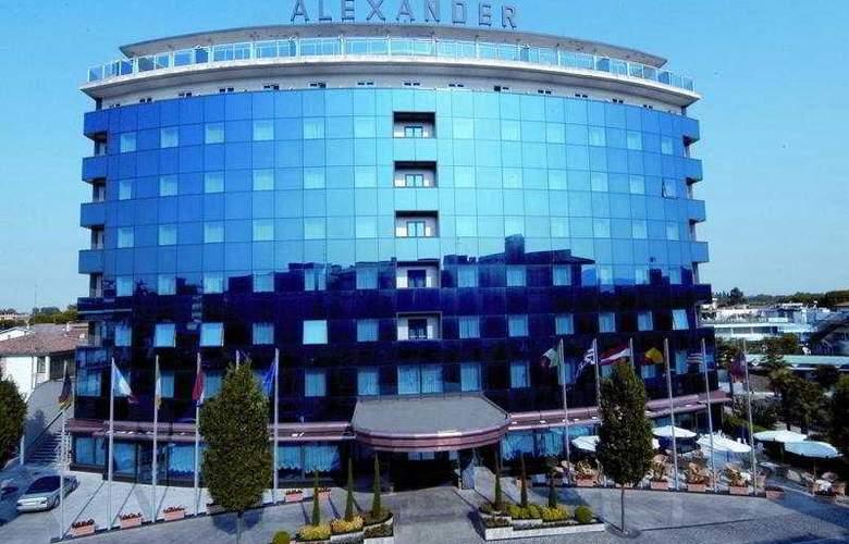 Alexander Palace - Hotel - 0