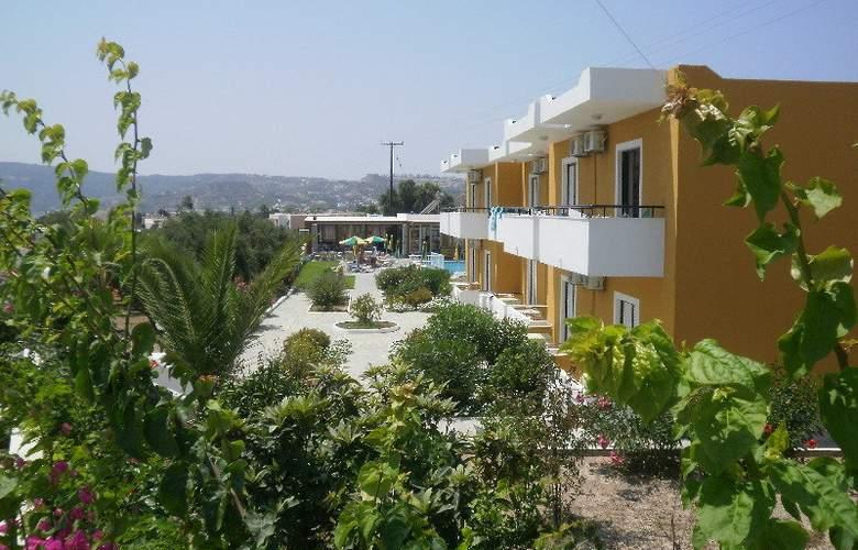 Manolis Studios - Hotel - 0
