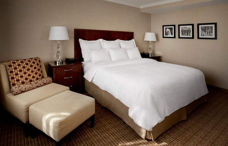 New York Marriott Downtown - Room - 10