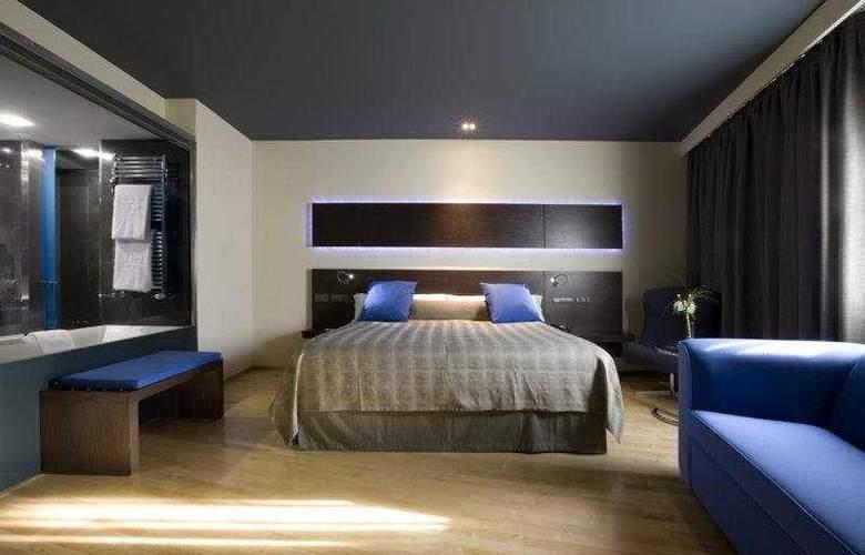 NH Madrid Las Tablas - Room - 3
