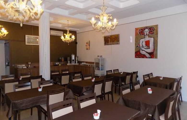 Le Grand Hotel d'Orléans - Restaurant - 4