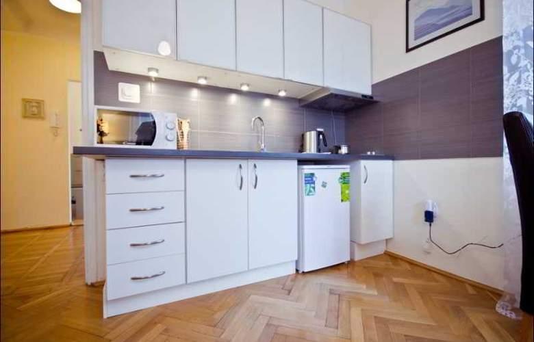P&O Apartments Elektoralna - Room - 2