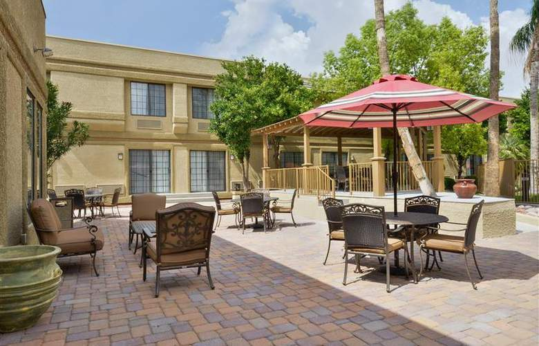 Best Western Tucson Int'l Airport Hotel & Suites - Pool - 119