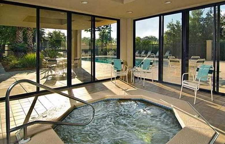 Courtyard Jacksonville Butler Boulevard - Hotel - 29
