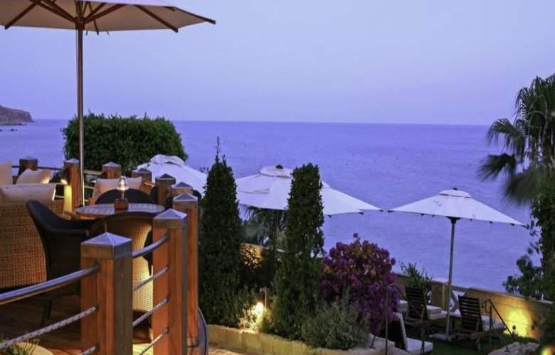 Columbia Beach Hotel - Hotel - 16