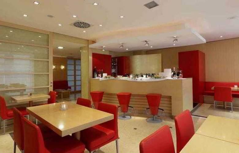 Holiday Inn Milan Garibaldi Station - Bar - 10