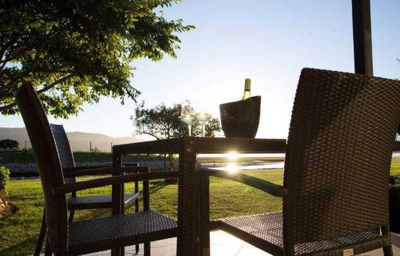 Premier Hotel Knysna - The Moorings - Terrace - 23