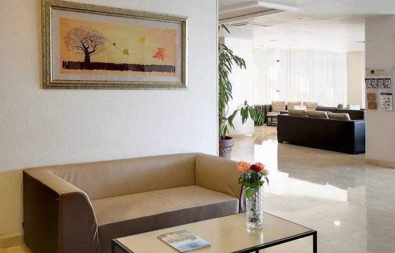 Best Western Plus Liberte Hotel - Hotel - 6