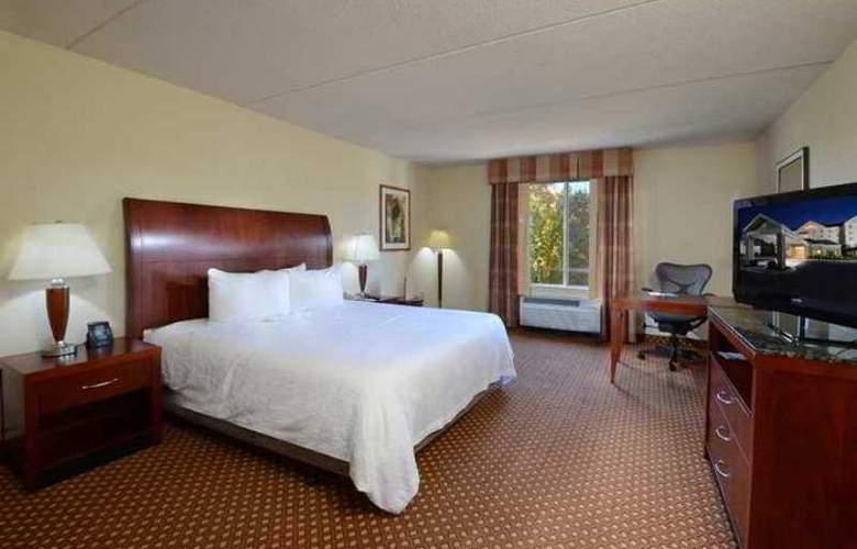 Hilton Garden Inn Greensboro - Hotel - 3