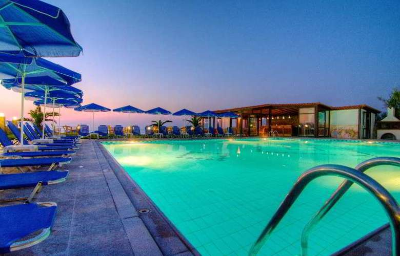 Krini Beach Hotel - Hotel - 0