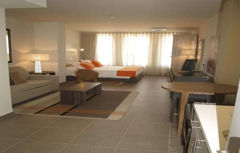 Eco Alcala Suites - Room - 11