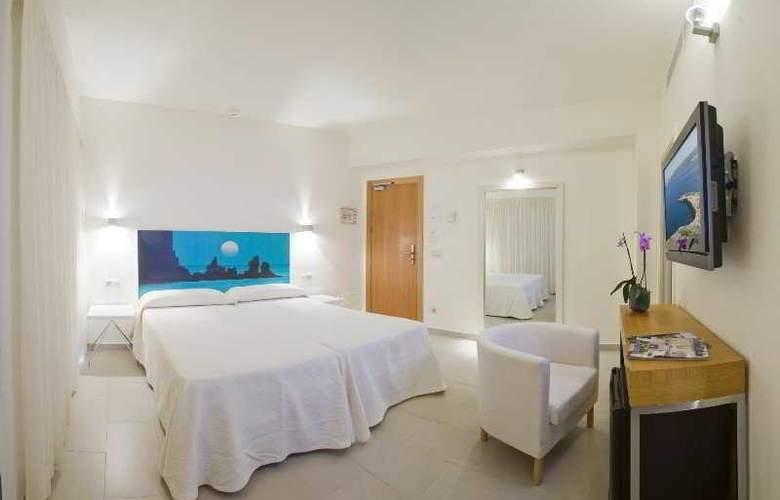 Florencio - Room - 8