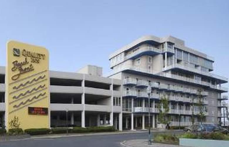 Quality Inn & Suites Beachfront - Hotel - 0