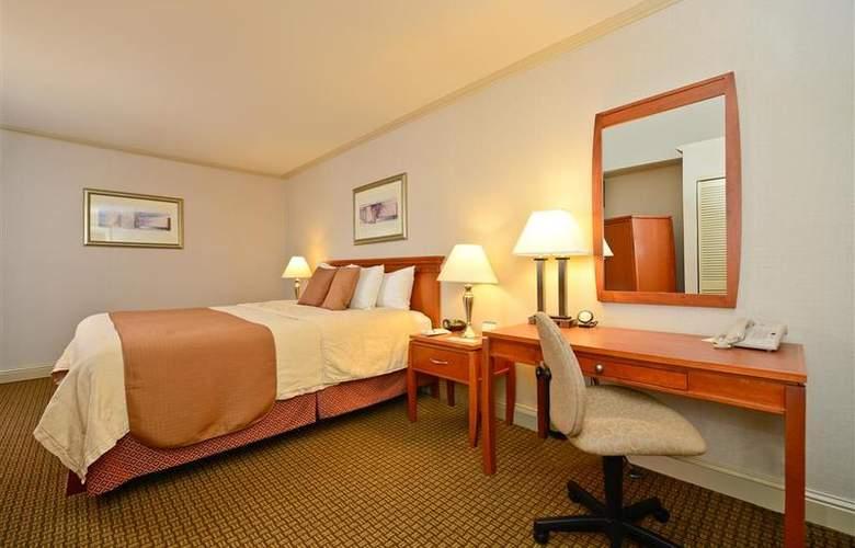 Best Western Plus Mountain View Inn - Room - 38