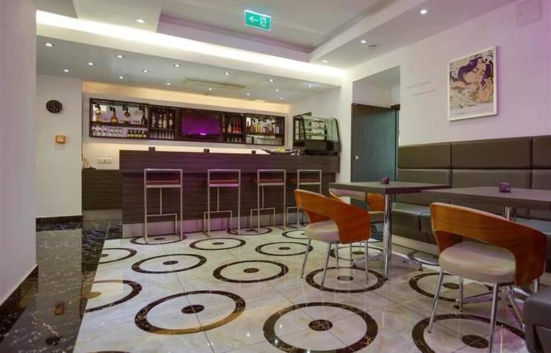Best Western Plus Hotel Arcadia - Bar - 120