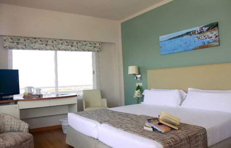 Santo Tomas - Room - 9