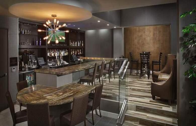 Crowne Plaza Phoenix Airport - Bar - 28