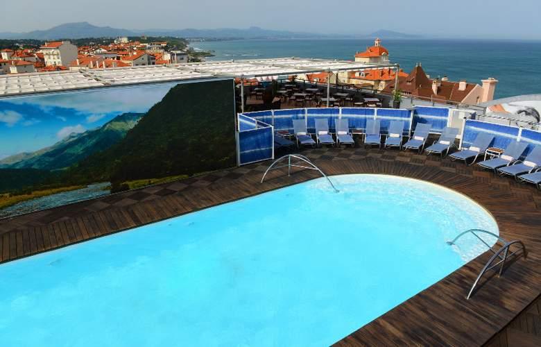 Radisson Blu Biarritz - Pool - 4