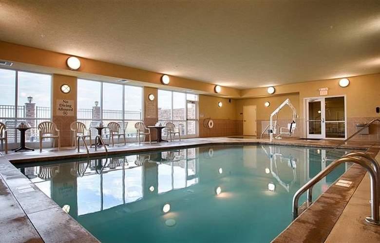 Best Western Butterfield Inn - Pool - 60