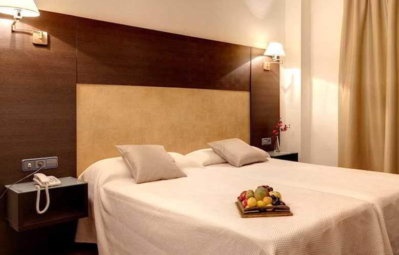 Madrid Torrejon Plaza - Room - 8