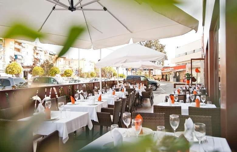 UVE Villa de Alcobendas - Restaurant - 25