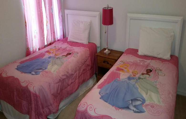 Legacy Park Estates - Room - 13