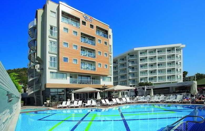 Cettia Beach Resort - Pool - 8