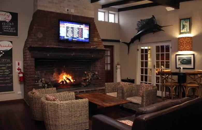 Cape St Francis Resort - Bar - 28