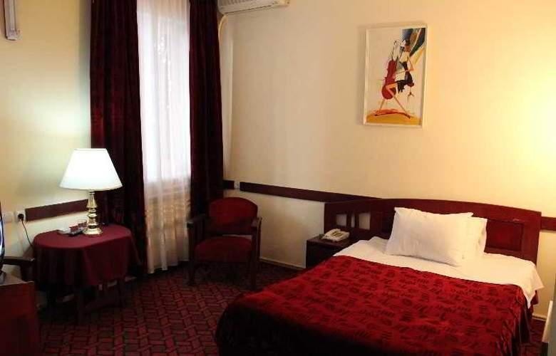 Iliani Hotel - Room - 2