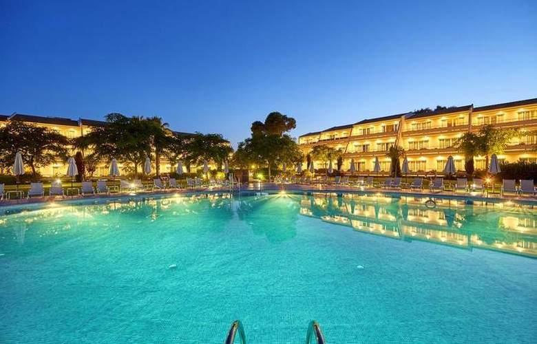 Blau Privilege Porto Petro Beach Resort & Spa - Pool - 13