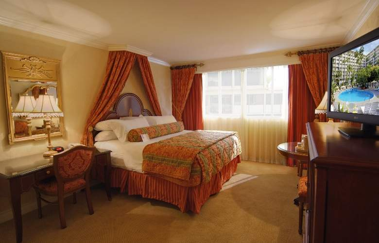 Town And Country Resort Hotel - Room - 10
