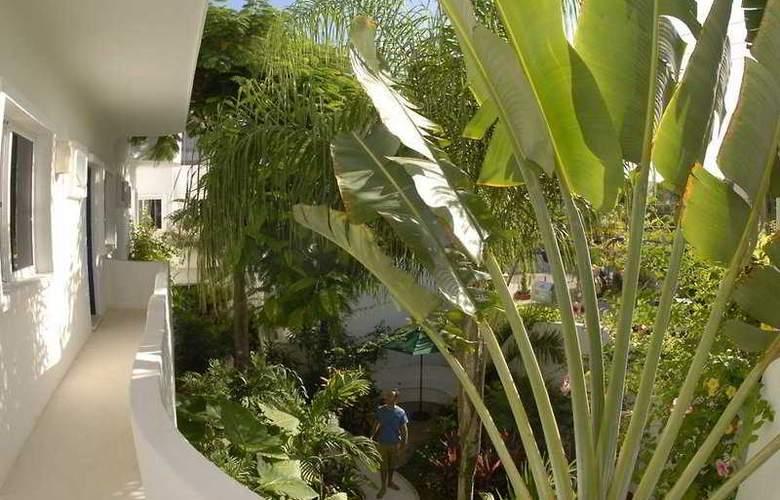 Aqualuna Hotel - Terrace - 1