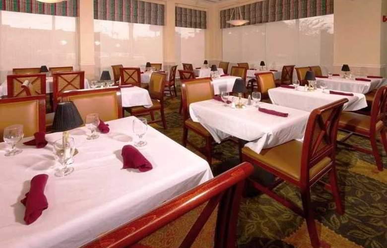 Hilton Garden Inn Jacksonville Airport - Restaurant - 2