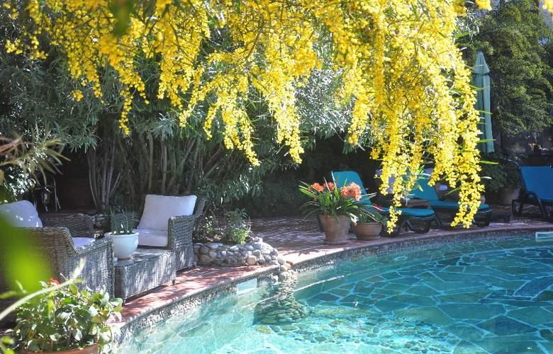 Elvino Hotel - Pool - 3