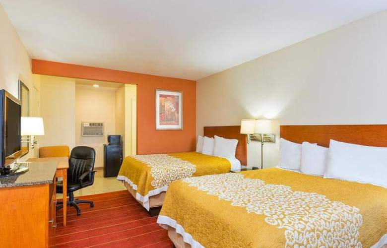 Days Inn & Suites - Room - 11