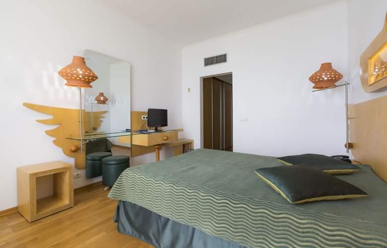 Ponta Delgada - Room - 12