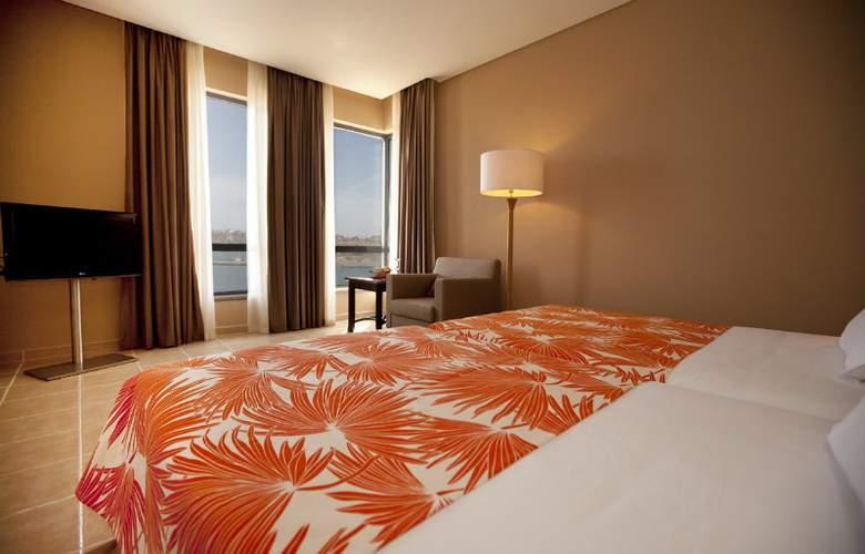 Pestana Tropico - Room - 5